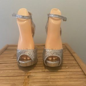 Cathy by Cathy Jean Glitter Pumps